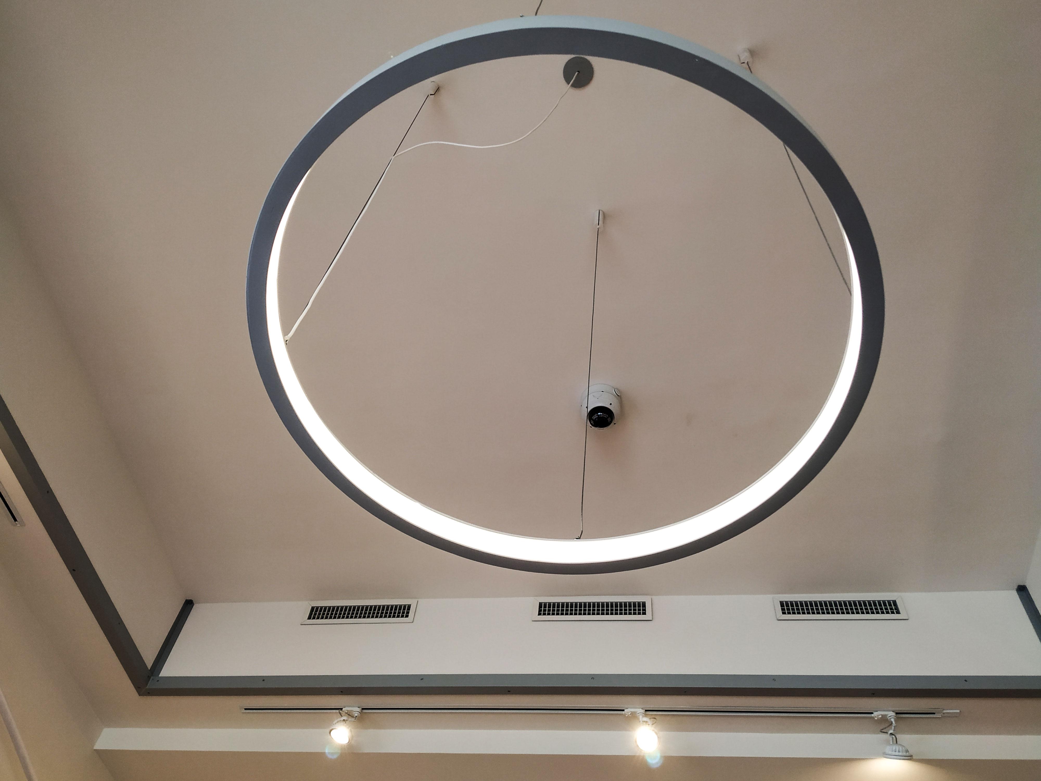 Babyshower-lavorazione-soffitto-in-cartongesso-dettaglio-luce-rotonda-a-led